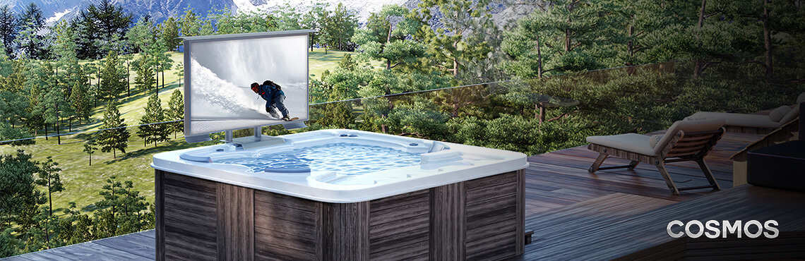 The excellent outdoor TV for your jacuzzi.